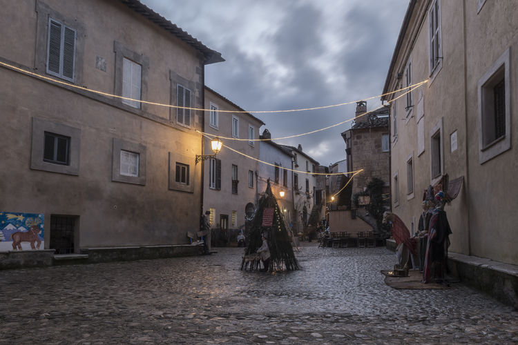 Natale a Calcata - Lazio - Italia Street Architecture Illuminated Cloud - Sky No Real People Cristmas Calcata Piazza Addobbinatalizi Lazio Italia Atmospheric