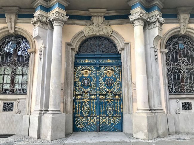 Poland 旅行 Trip Travel University Architecture Built Structure Building Entrance Arch Building Exterior Door Art And Craft History Design