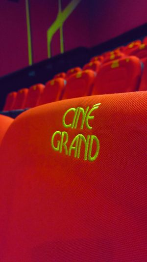 Close-up CinemaTime Cinema Time Cinema Chairs Red Chairs Cinema In Your Life Cinema View Red Modern Chair Chairs Red Chair Red Color Red Background Cinema Look Ciné Grand