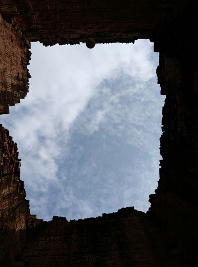 Frame view of SKY Myanmar History Sky Close-up Architecture Cloud - Sky Old Ruin Archaeology Ancient Civilization Ancient History Place Of Worship Architectural Feature Cave Ancient Civilization Ruined The Past