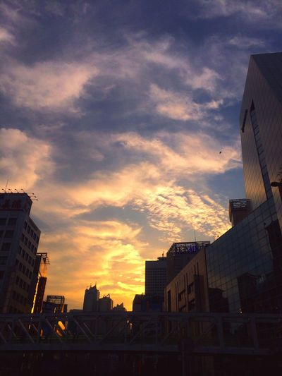 Shinjyuku Sky Sunset Shillouette Clouds And Sky