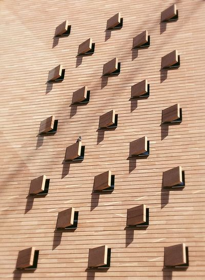 Wall Architecture No People Windows Day Outdoors Close-up Daytime Daylight City Life Life Photography Frankfurt Enjoyinglife  Hello World From My Point Of View Building Exterior Built Structure Art Is Everywhere Pattern