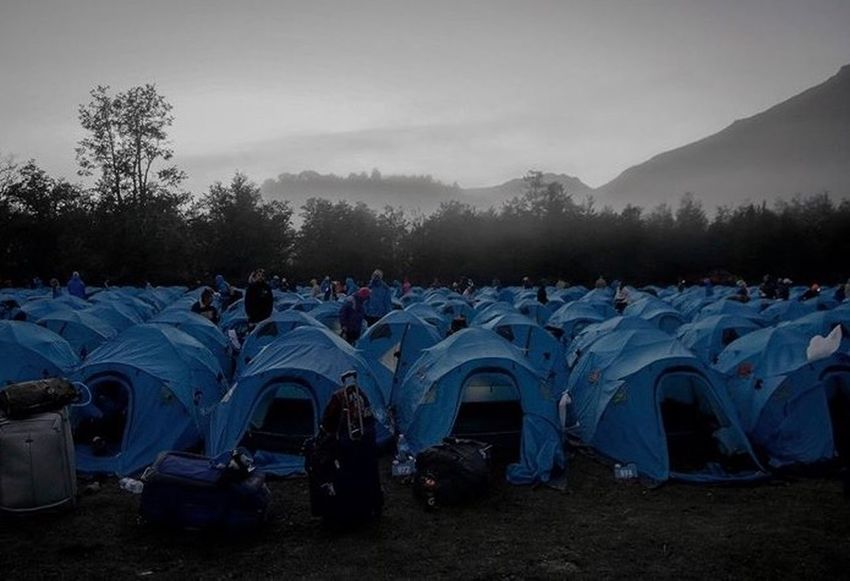 Runners getting ready for a day 3 Ultramarathon Elcrucecolumbia six in the morning with temperature around 6 degrees Celcius Fog Running Argentina El Cruce De Los Andes Elcrucedelosandes Trailrunning Camping