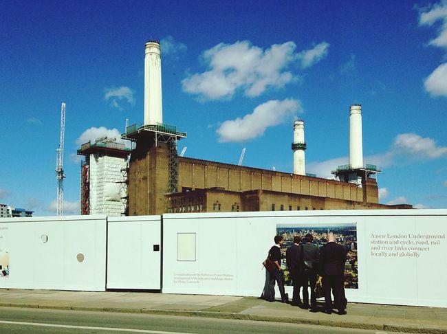 Curious Batterseapowerstation Battersea Frank Gehry Fosterandpartners Architecture London Peeking