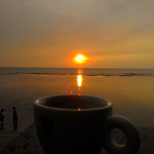 Sunset Couple and Coffee Pasangan Senja  dan Kopi SORE Anyer  Banten INDONESIA Lenovotography Photophone  Lzybstrd Photooftheday Beach Jingga Love Prewed Coupleoftheyear Pocketphotography Fatamorphosis