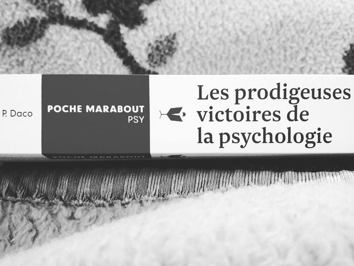 "Bedtime reading ... Actually there's an "" I "" missing xD fautte de frappe i guessBlackandwhite Psychology Psychologie Psychology Student Book"