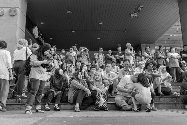Kuala Lumpur August 27, 2016 Black And White Crowd FUJIFILM X100S Kuala Lumpur Mahfuz Jaffar People Street Life Street Photography