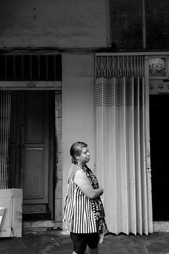 Lady Waits.