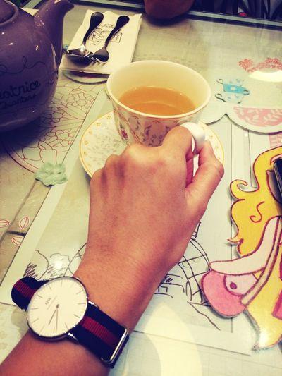 Tea time with new watch @danielwellington