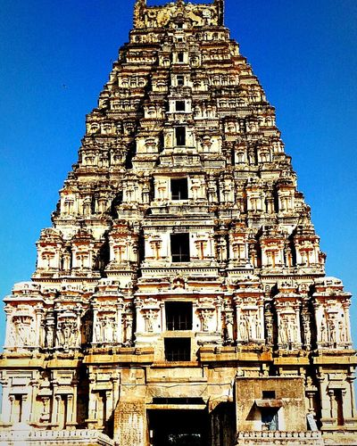 The Architect - 2017 EyeEm Awards Religion Architecture Travel Destinations History Tourism Travel Vacations Ancient Civilization Place Of Worship Archaeology Built Structure Old Ruin Ancient Spirituality Day Building Exterior Sky Lifestyles Large Group Of People Leisure Activity Bharat India Karnataka Hampi