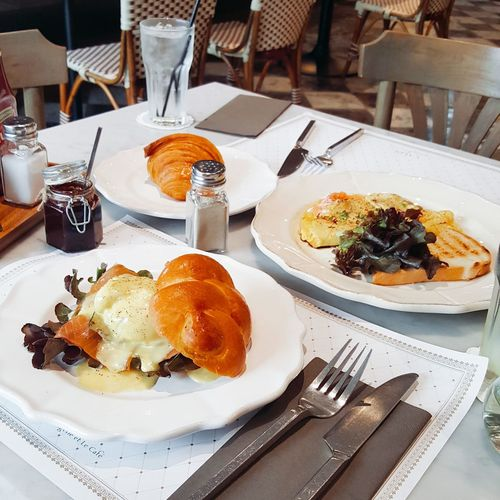 French style brunch with my bestfriend Hanging Out Check This Out Hello World Enjoying Life Brunch Brunch Time French Paris Breakfast Breakfast Time EGGBENEDICT Chocolate Crossaint First Eyeem Photo
