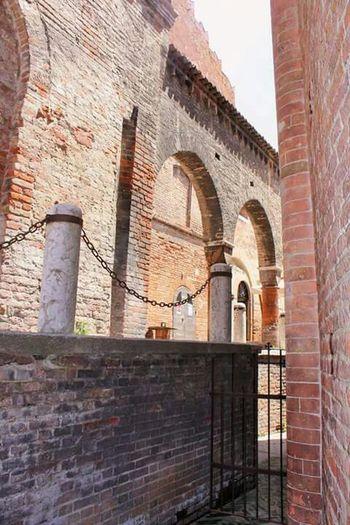 Urban Geometry Mantova Castello Nature Photography