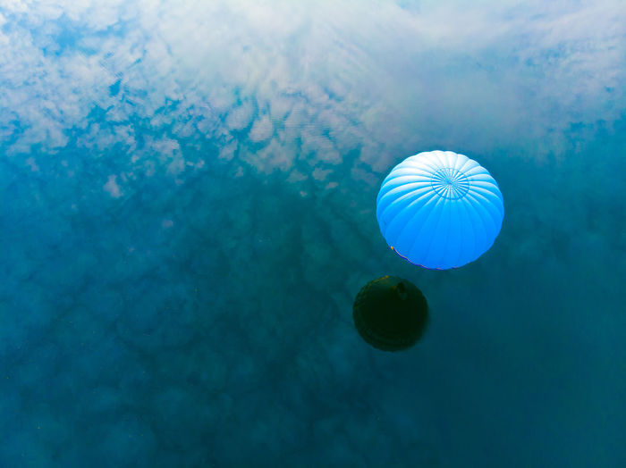 Balloon Hot Air Balloon Reflection Water Blue Multi Colored