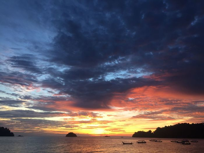 Sky Sunset Beauty In Nature Sea Nature Water Scenics Cloud - Sky Tranquil Scene Outdoors No People Tranquility Silhouette Horizon Over Water Beach Day Pangkor Holiday Event Training Day Lieblingsteil Miles Away EyeEmNewHere