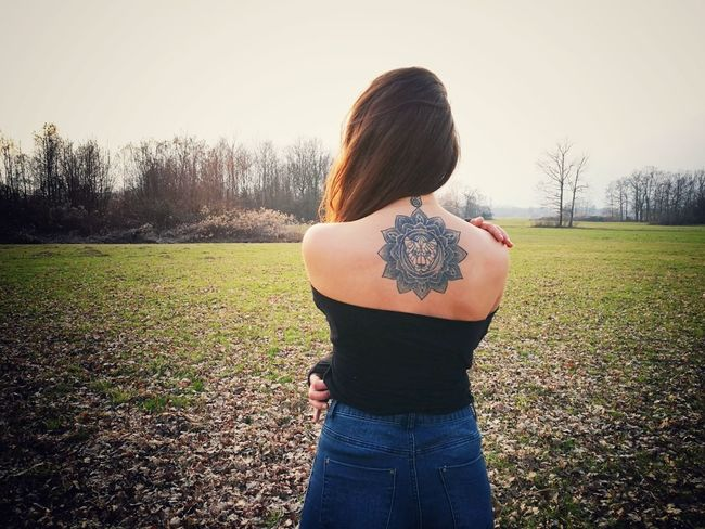 Stay Wild🍃🍂🍁Wild One Woman Only Tree Outdoors Day Nature Sky Hello World Me Beauty One Person Freedom Happiness Women Long Hair Beauty In Nature EyeEmbestshots EyeEm Best Shots Only Women Tattoo Tattooedgirls Lioness