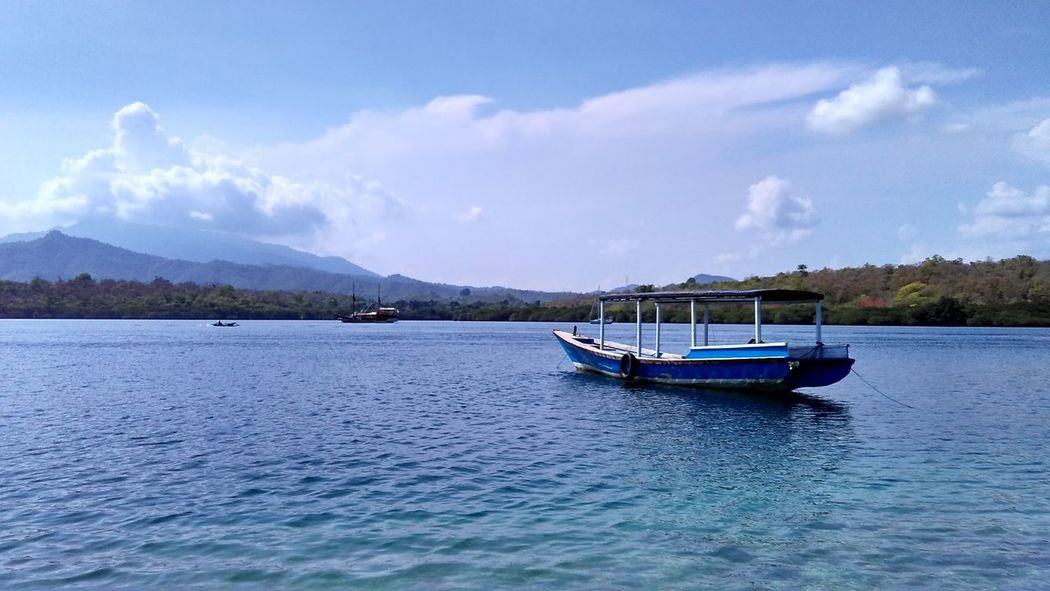 Jukung Boat Relaxing Enjoying Life Check This Out Hello World Landscape #Nature #photography Traveling Explorebali Bali, Indonesia Temantravelbali Islandlife Trip HEAVENONEARTH Ocean Sea Snorkeling Boattrip