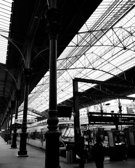 Built Structure Indoors  Architecture Railroad Station Oporto, Portugal Porto S.BentoStation Blackandwhite First Eyeem Photo Monochrome Photography