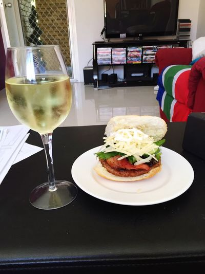 Study breaks are not so bad 😋🍔🍷 Burger Studying Moscato Accounting Hungry