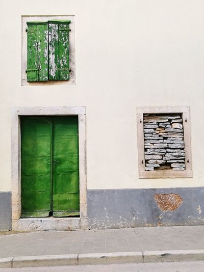Window Green Color Building Exterior No People Day Architecture Outdoors Istra Istria Bale Valle Istria Architecture Old Buildings Stone Material Stone Wall Wood - Material Windowporn Façade Doors With Stories Doorporn Doors Windows