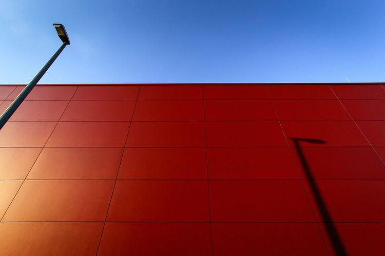 Rule Of Thirds Streetphotography Red Urban Geometry EyeEm Best Shots Architecture Blue Sky Light And Shadow Simplicity