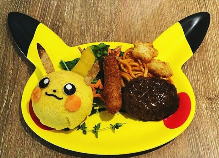 😱😍👌🍴🍔🍟🔝 Japan Bar Holiday Pokémon Pokemoncaffe Eat Pikachu Tokyo,Japan City First Eyeem Photo Plate Table Close-up Food And Drink Potato Chip Fried Potato Smiley Face