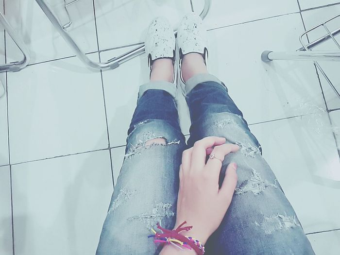 Ootd Outfit Of The Day Ripped Jeans