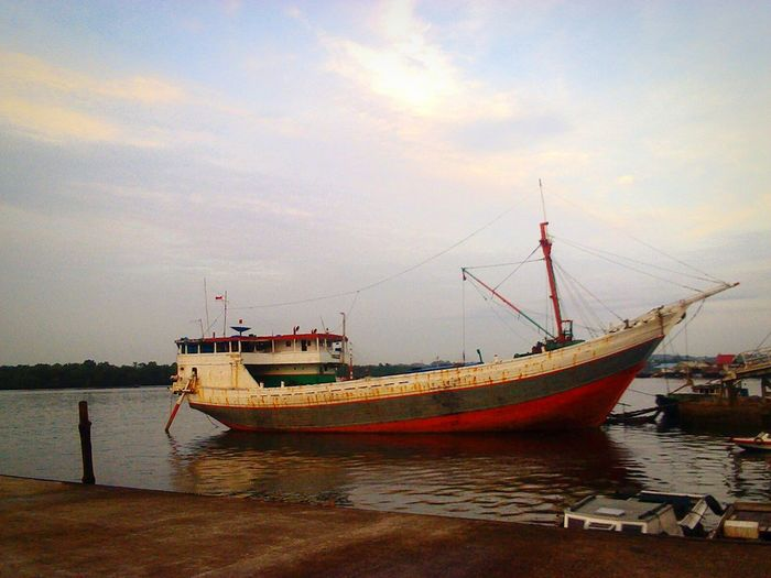 Fisherman ship Harbourside Ship