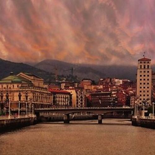 Views from my office today Verybilbao Ilovebilbao Bilbaoclick Bilbao Euskogram Euskorincones Paisvasco Topphotos Euskadigrafias Euskorincones Loves_bilbao Bilbaocentro Picoftheday Photooftheday