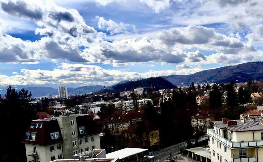 Graz. Richtung Westen von LKH Building Exterior Architecture City Building