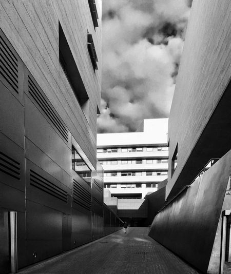 Architecture Architecture_collection Building Exterior Built Structure Clouds Architecture_bw Perspective Perspective Photography EyeEm Best Shots - Black + White Black And White Blackandwhite Photography Blackandwhite Bw_collection Streetphoto_bw Iphoneonly Iphonephotography IPhoneography Barcelona EyeEm Gallery Streetphotography