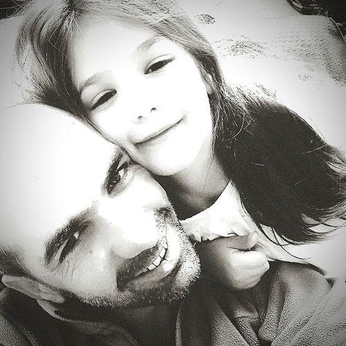 Balkızım Kızım özçekim Selfie Portrait Looking At Camera Headshot Human Face Close-up