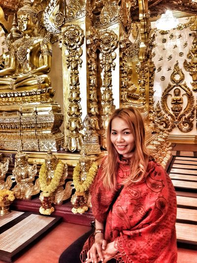 girl smile Gold Religious Architecture Woman Portrait Sitting Smiling Young Women Portrait Happiness Looking At Camera Pretty Caucasian Attractive Beautiful Asian  Human Body Head And Shoulders Thinking Posing