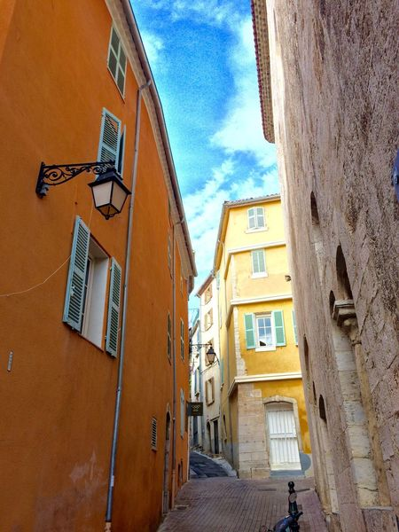 Hyères Old Town Provence Alpes Cote D´Azur Côte D'Azur No People Façade Architecture Mediterranean  Old Houses Been There. Pastel Colors Provence South Of France Old City Old City Streets Low Angle View Architecture Building Exterior Tourism French Riviera Stone Houses  Lantern Empty Streets