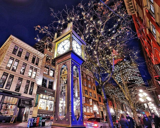 Steamclock Vancouver Nikonphotography Night Streetphotography City Cityscape Urbanscape Walking Around The City  Cityview