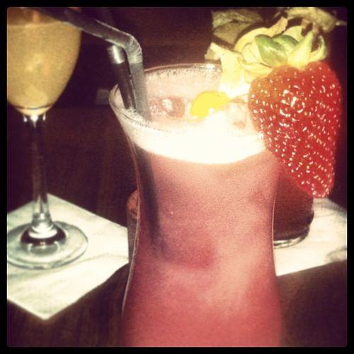Dieser Cocktail heißt Sexontheminibar best Cocktails in Frankfurt. Frankfurt Minibar Cocktail