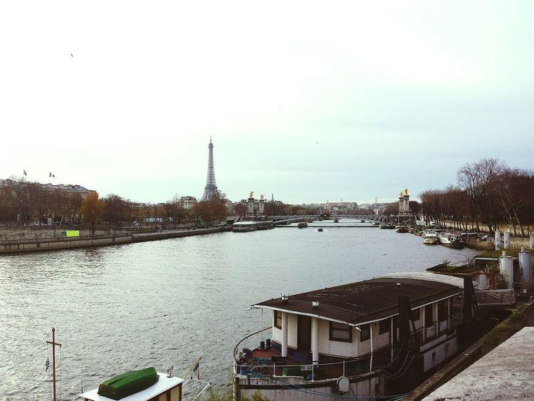 Paris ❤ Parigi Paris France Paris, France  Francia Eiffel Tower Toureiffel VilleLumière Bateaux Mouches Traveling