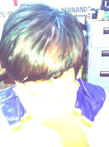 Dyed my hair. Not noticeable but yea. Selfie Color Hair Blue Burgundy YOLO ✌ Summer Hair