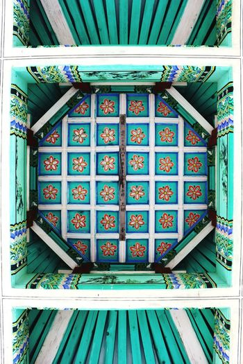 No People Built Structure Pattern Colors Architecture Art Painting Blue Red Wonderful Korea Tradition Traditional Culture Cultures Architectural Feature ArtWork Art Is Everywhere Pop Cealing Cealing Art Beam Beams Architecture Close-up