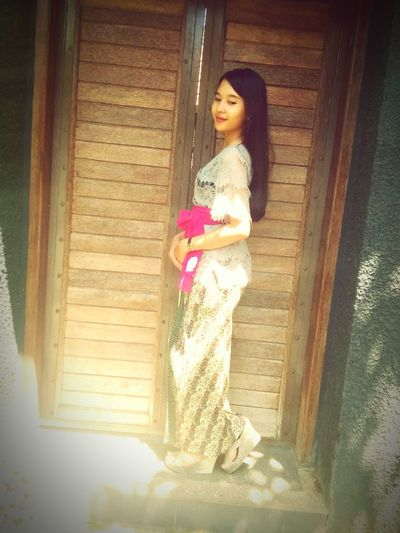 Balinesegirl Black Hair Sunlight