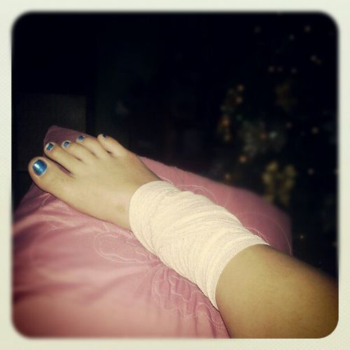 It hurts more everydaaaay! And sprain means no jogging everyday! :( Sprain Pain Footproblem