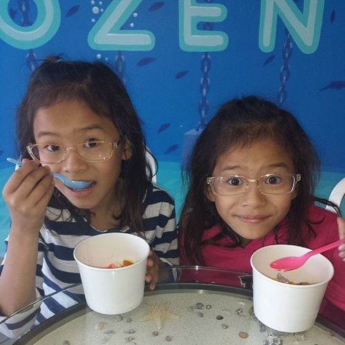 Taking them out for some frozen yogurt since Im happy today haha Twins Creepykids LoveThem  Frozenyogurt happyday blessed