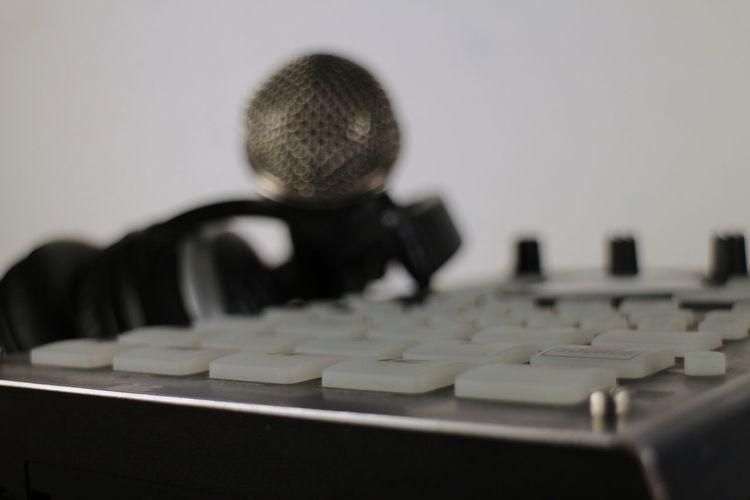 Sampler Indoors  Arts Culture And Entertainment No People Sound Audio Musical Instruments Audio Studio Audiorecording Musical Equipment Audioengineering Audio Electronics Musical Instrument Technology Selective Focus Music Desktop Wallpaper Desktop Background Djset