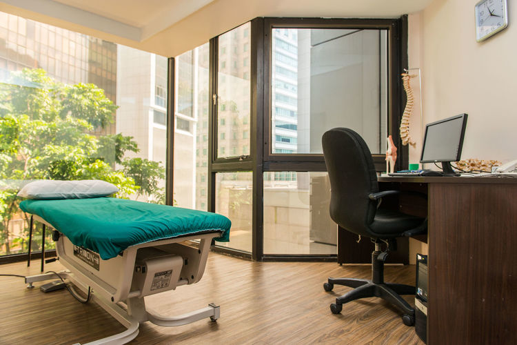 Chiropractor Furniture Interior Interior Decorating Medical Modern Natural Light Physiotherapy