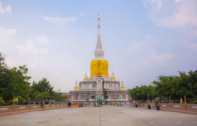 Travel In Thailand Architecture Belive Building Exterior Cloud - Sky Gold Colored History Outdoors Religion Religions Sky Temple Temple - Building Temple In Thailand Travel Destinations