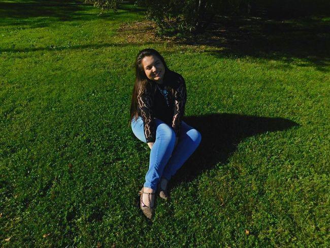 Photographer Smiling Ontheground Hapiness Is Easy Blackshirt Lookatme