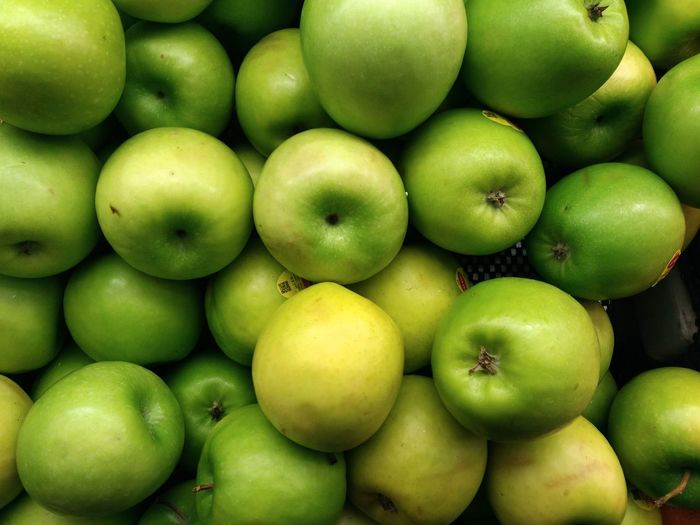 Apple Supermarket Fruit Backgrounds Full Frame Social Issues Group Of Objects Healthy Lifestyle Apple - Fruit Close-up Green Color Vitamin Farmer Market Juicy Farmer's Market Raw Food Nutritional Supplement Tropical Fruit Granny Smith Apple