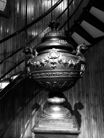 Cotton House Hotel EyeEm Gallery EyeEmNewHere Eye4photography  Bws_worldwide BW_photography BW_photography Bw_lover Bw_collection Black & White Black And White Blackandwhite IPhoneography Iphonephotography Iphoneonly Decor Vase Indoors  Lighting Equipment Ceiling No People Architecture Low Angle View Built Structure Illuminated Decoration Wall - Building Feature