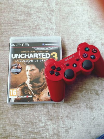 Playing PS3 Ps3 Uncharted3 Play
