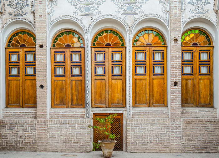 Old houses, means love,means life, means everything Amazing Architecture Beautiful Building Exterior Doors Exterior Historic Like Old Old House Wall
