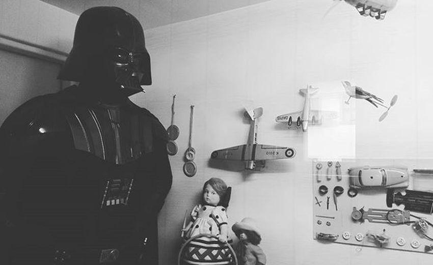Vader je v muzeu hracek Imyourfather Vadervjinedobe Teleport VaderjenaHrade ChybimistrYoda